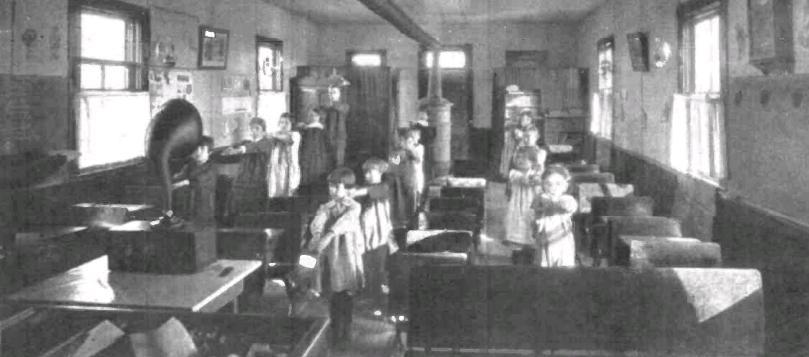 RadioSchool1925a