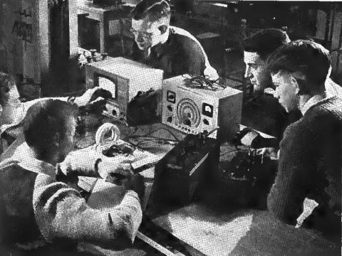 1942OctRadioRetailing
